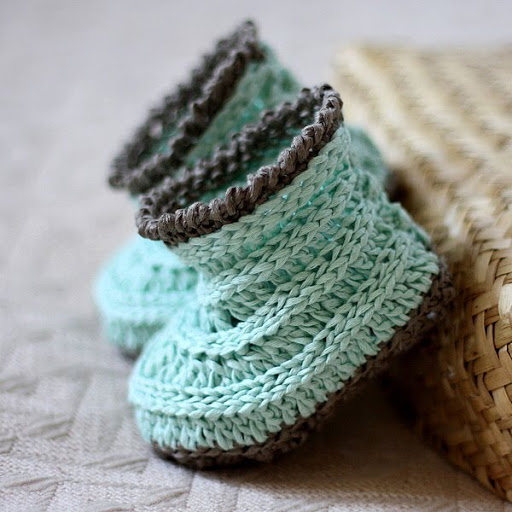 Sweaters Knitting Patterns : Mon Petit Violon Knit-look Baby Boots! - Mon Petit Violon